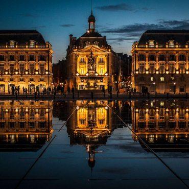 Bordeaux (Francja) – gotycka katedra, plac Quinconces i największe wodne lustro na świecie
