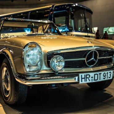 Stuttgart (Niemcy) – Muzeum Mercedes-Benz, to trzeba zobaczyć!